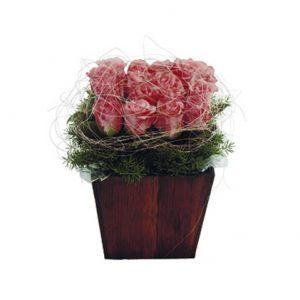 ורדים מעוצבים בכלי